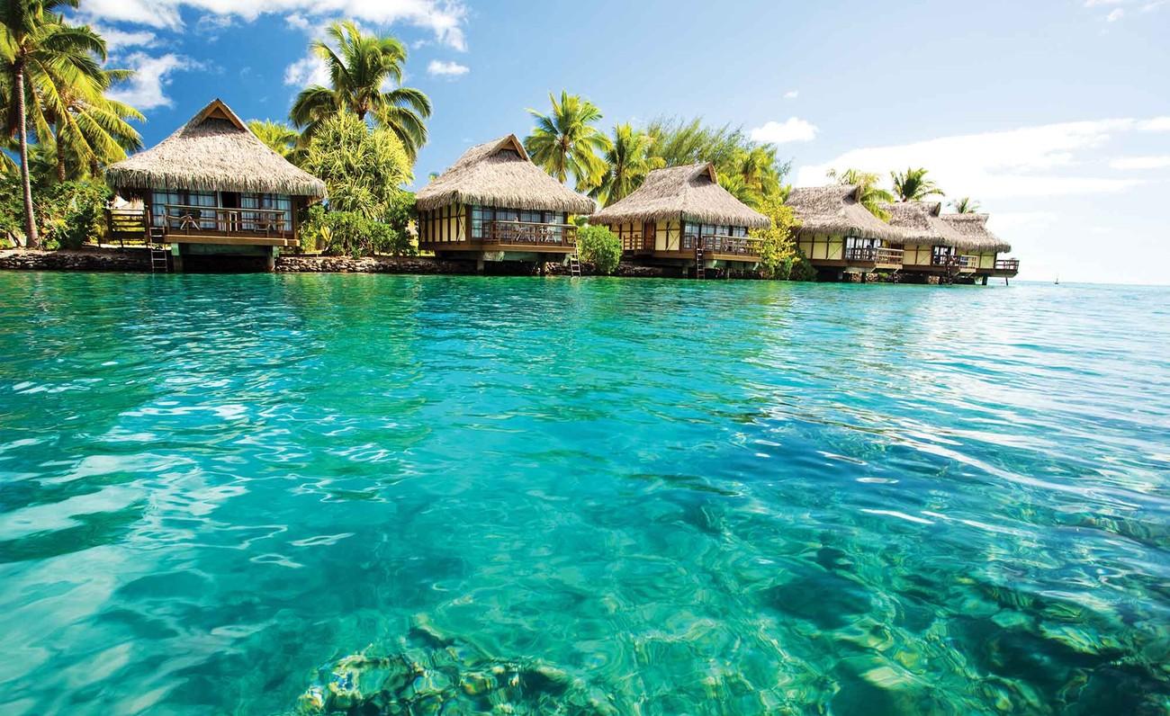 Fototapete tropen  Fototapete, Tapete Insel Karibik See Tropische Hütten bei EuroPosters