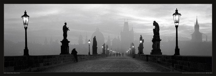 Plagát Prague – Charles bridge / lamp b&w