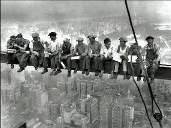 New York - Lunch on a skyscraper - muži na traverze Художествено Изкуство