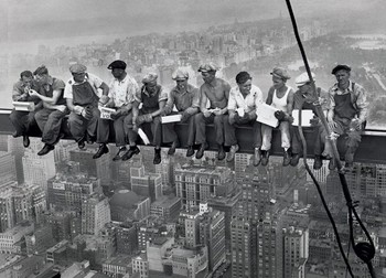 Lunch on a skyscraper - плакат