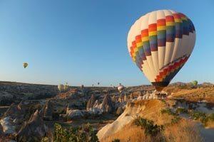 Zeppeline und Heißluftballons