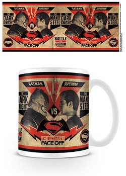 Hrnček Batman vs, Superman: Úsvit spravodlivosti - Fight Poster