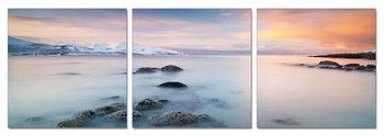Sunrise over the coast Moderne bilde