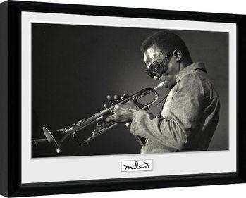 Miles Davis - Portrait gerahmte Poster
