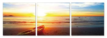 Boat in the sand at sunset Moderne billede