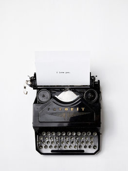 Ilustracija type writer i love you
