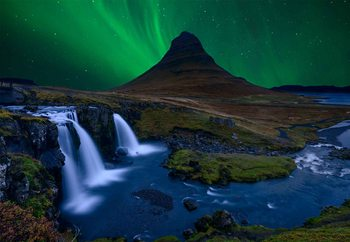 Kirkjufell, Under A Boreal Green Sky Tapéta, Fotótapéta