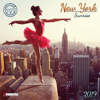 Kalendář 2019  Východ Slunce v New Yorku