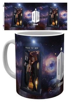 Doctor Who - Season 10Ep 1 Iconic muggar