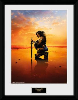 Oprawiony plakat Wonder Woman - Kneel