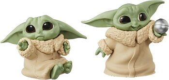 Figurica Star Wars: The Mandalorian - Baby Yoda Collection 2 pcs (Hold Me & Ball Toy)
