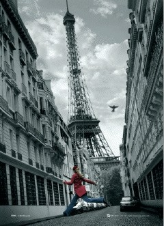 PARIS - skipping girl