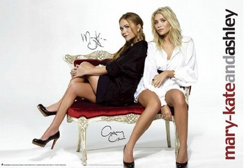 MARY KATE and ASHLEY - red sofa Poster