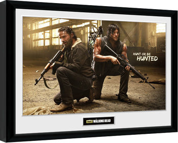 Inramad poster The Walking Dead - Rick and Daryl Hunt