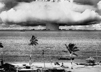 Poster Atom bomb - Bikini 1946