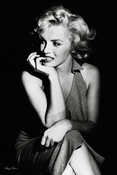 Marilyn Monroe - sitting Poster