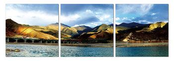 Peaks over a lake Schilderij
