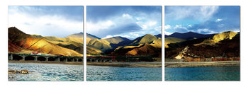 Peaks over a lake Slika