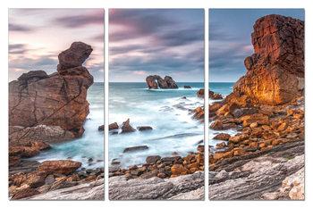 The bay in the rocks Slika