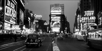 New York - Times Square illuminated by large neon advertising signs - Stampe d'arte