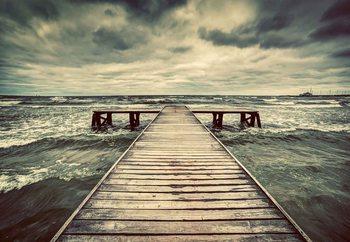 Stormy Pier Steklena slika