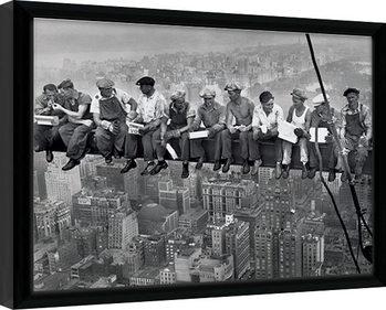 Keretezett Poszter Lunch on a Skyscraper
