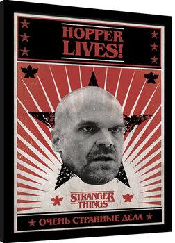 Uramljeni poster Stranger Things - Hopper Lives
