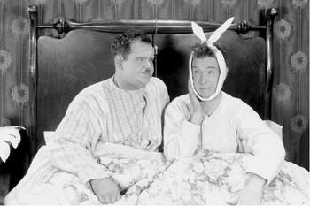 Plagát Laurel & Hardy - bed
