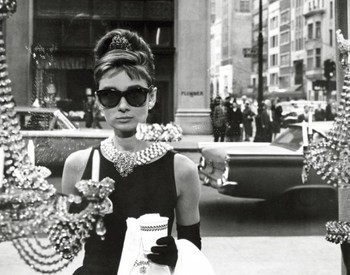 Audrey Hepburn - window Plakát