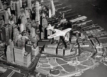 Plakát Flight over New York – plane