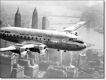 Aircraft flying over city 1946  Kunstdruck