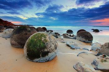 Colored Beach with Stones Steklena slika