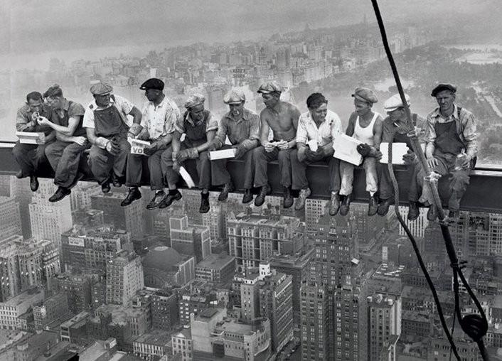 Lunch on a skyscraper Плакат