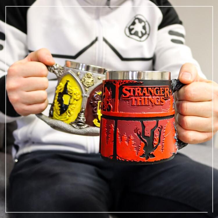 Чашка Stranger Things