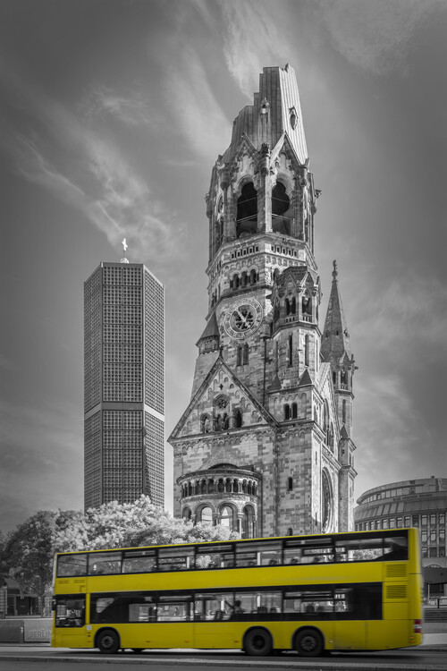 художествена фотография BERLIN Kaiser Wilhelm Memorial Church with bus | colorkey