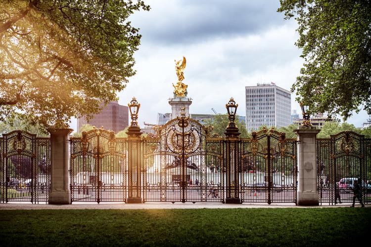 художествена фотография Entrance Gate at Buckingham Palace