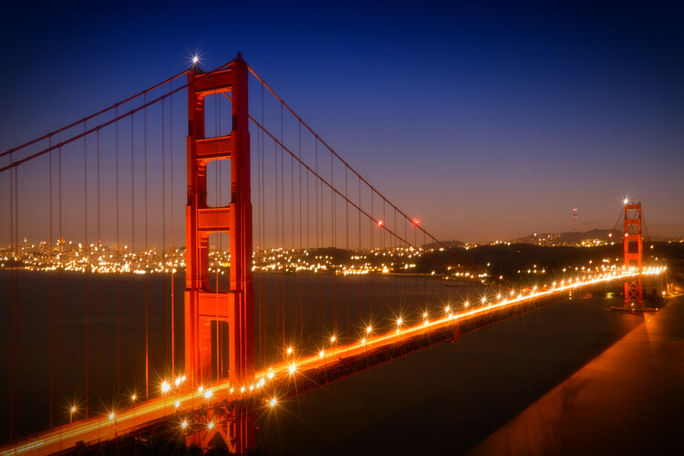 художествена фотография Evening Cityscape of Golden Gate Bridge