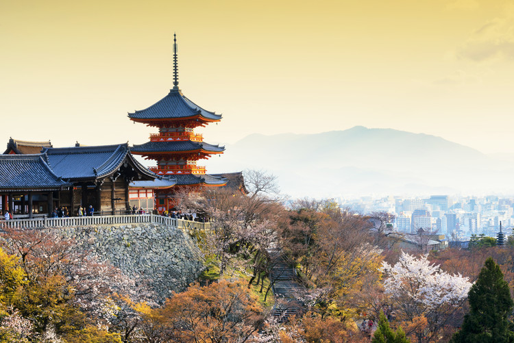 художествена фотография Pagoda Kiyomizu-Dera Temple at Sunset