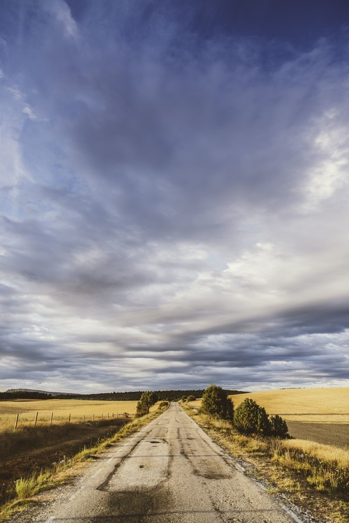художествена фотография Empty road with a beautiful sky
