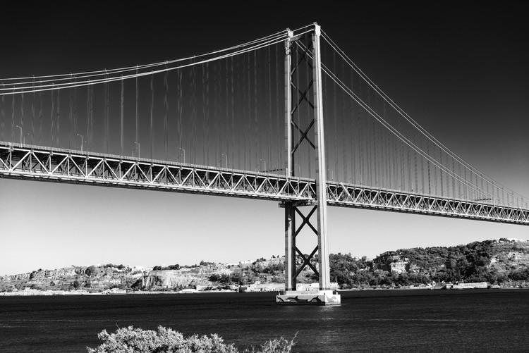 художествена фотография Lisbon Bridge