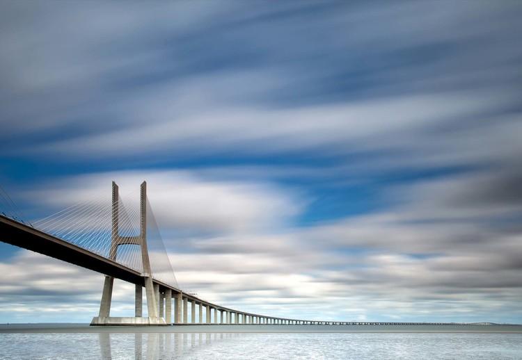 Fototapeta, Tapeta Vasco Da Gama Bridge, (254 x 184 cm)