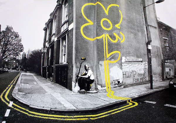 banksy street art yellow flower poster affiche acheter le sur. Black Bedroom Furniture Sets. Home Design Ideas