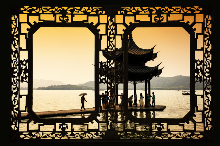 Arte fotográfico Asian Window - Water Temple at sunset