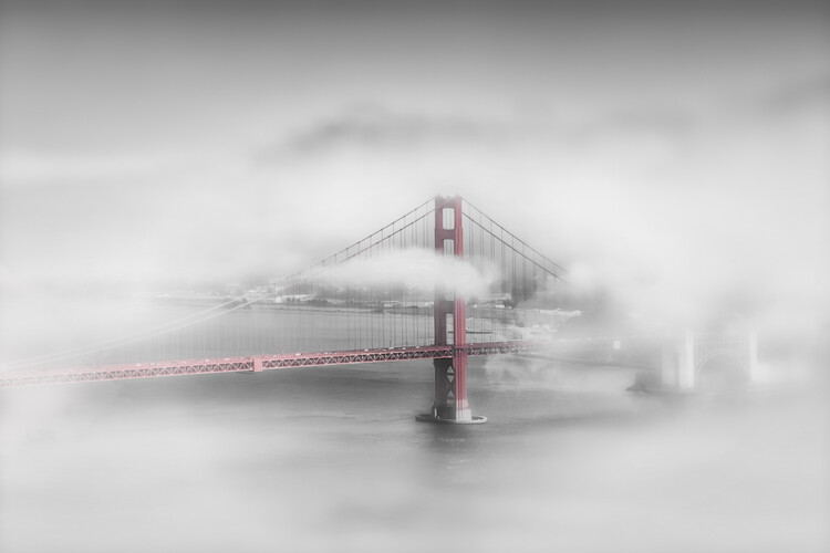 Umělecká fotografie Foggy Golden Gate Bridge | colorkey