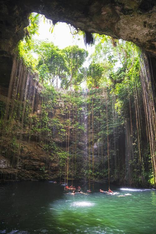 Umělecká fotografie Ik-Kil Cenote II