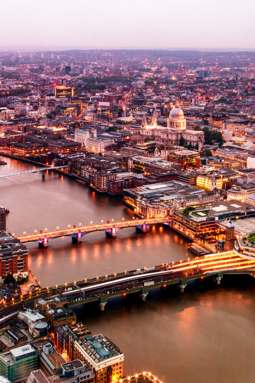 Arte fotográfico View of City of London at Nightfall