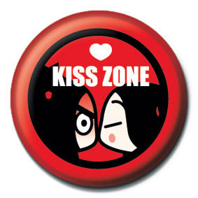Button  PUCCA - kiss zone