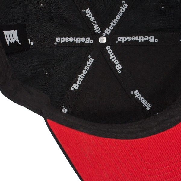 Čepice  Doom - Logo