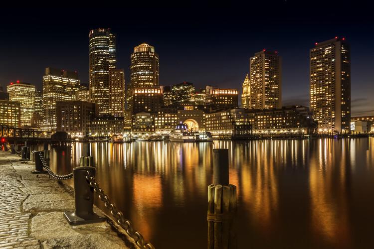 Exklusiva konstfoton BOSTON Fan Pier Park & Skyline at night