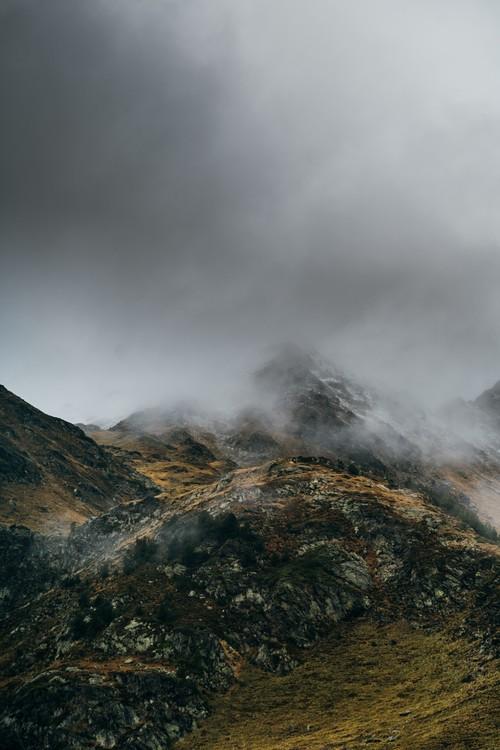 Exklusiva konstfoton Clouds over the peak